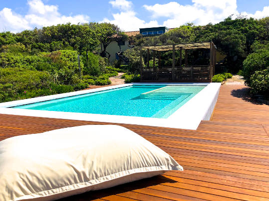 piscina idromassaggio frontemare